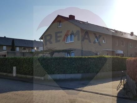 Sehr schönes Reihenendhaus in Lübbecke in ruhiger Sackgasse mit 2 Garagen und großem Garten.