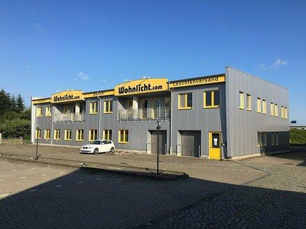 Lager- und Bürogebäude mit guter Autobahnanbindung