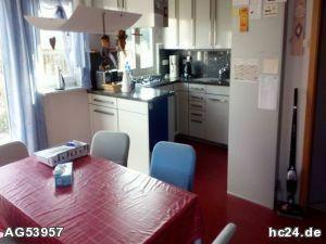 ***Geräumige möblierte 4-Zimmer-Wohnung, geeignet für Monteure