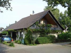 Großzügiges 1-2 Familienhaus in toller Lage mit traumhaftem Garten