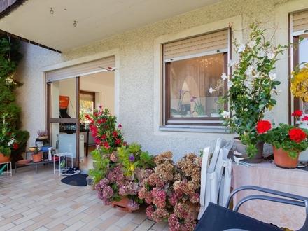Einfamilienhaus mit Garten und Garage. Der Kaufpreis - Interessant!