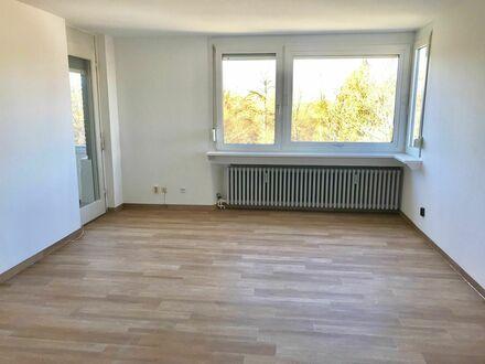 OS-Weststadt: Helle 3-Zi-Wohnung, renoviert, freier Blick