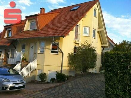 Schickes Einfamilienhaus mit Einliegerwohnung in Flomborn