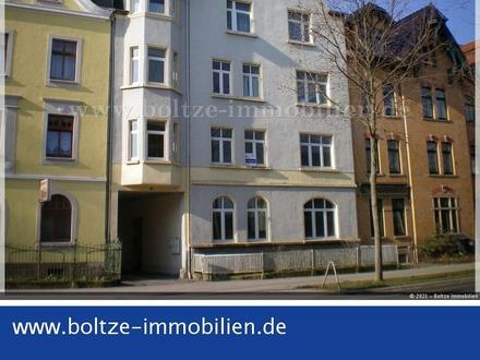 Großzügige 2-Raum-Wohnung mit Stellplatz am Haus!