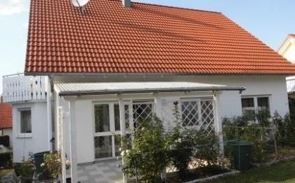 Familienfreundliche, helle Wohnung mit Garten