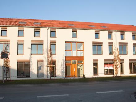 Am Puls der Zeit - helle, repräsentative Praxis- oder Bürofläche im Zentrum von Windorf