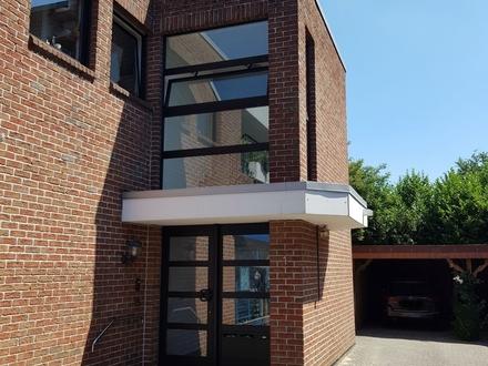 Schöne Obergeschosswohnung mit Zentrum von Haren mit Carport u. Kellerraum !