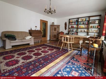 Geräumiges Reihenmittelhaus mit Loggia, Balkon und Garten in sonniger Lage von Rosenheim!