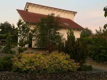 modernes offenes und Lichtdurchflutet Haus in ruhiger Lage