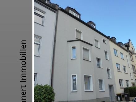 Nordviertel...! Moderne, helle Dachgeschosswohnung in einem gepflegtem Mehrfamilienhaus