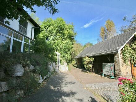 Klagenfurt - Paradies nahe Wörthersee: Doppelhaushälfte mit Schwimmteich und kleinem Stadl auf 1.575 m² Grund