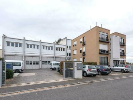 Vielseitig nutzbar: Bürohaus mit Hallentrakt und Wohngebäude