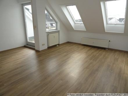 Schöne DG Wohnung auf dem Hexenberg mit TG Stellplatz