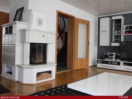 Schönes Reihenmittelhaus mit ausgebautem Dachgeschoss - nicht in der Wohnfläche erfasst -