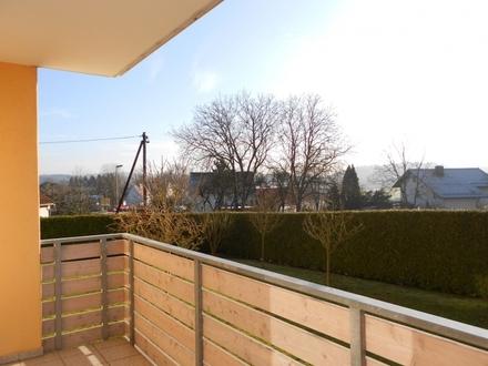 Sonnige 2 Zimmer Wohnung, 2. OG mit Balkon in zentraler Lage, Passau-Grubweg zu vermieten!