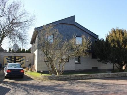 5493-Großzügiges Einfamilienhaus mit Garage in Friedrichsfehn!