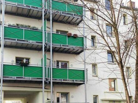 Schöne helle 2-Raum-Wohnung mit Balkon!