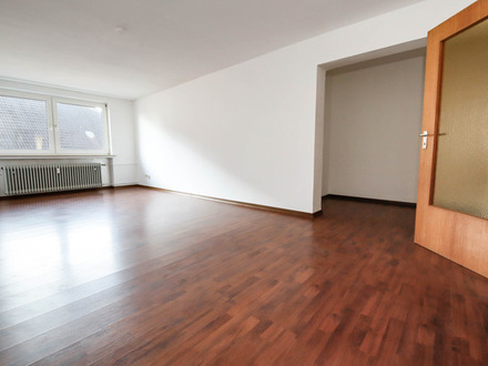 Do-Hörde, Graudenzer Str., schöne, helle 3,5 Zimmer-Whg., KDB, ca. 65 m², top Zustand, neu renoviert, Laminat, frei ab 01.09.19,…