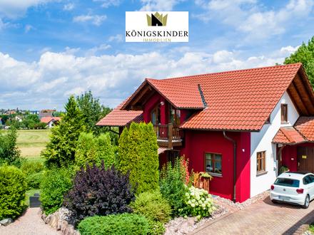 Schönes Niedrigenergie - Einfamilienhaus in ruhiger Wohnlage mit viel Grün und Platz für die Familie