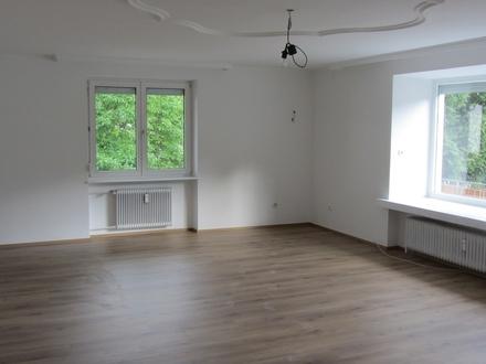 3-Zimmer ca. 99 m2 + Balkon in Wals/Viehhausen!