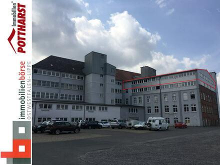 Vielseitig nutzbare Gewerbefläche /Großraumbüro /Showroom in Industriekomplex - Nähe Bahnhof