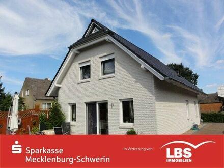 Bezugsfertiges Friesenhaus mit pflegeleichtem Grundstück