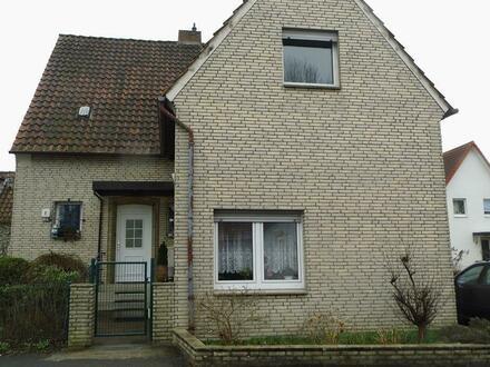 Freistehendes Zweifamilienhaus in 32107 Bad Salzuflen.