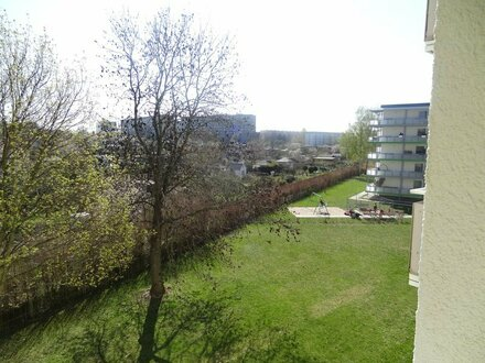 Hereinspaziert sonnige Wohnung... EBK optional + 1 Monat kaltmietfrei!