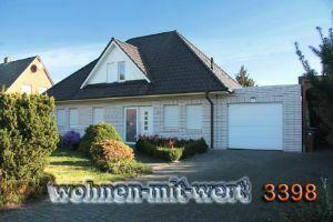 Weißes Wohnhaus in Twist - Rühlerfeld