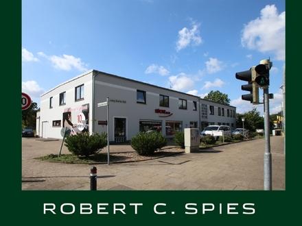 Wohn- und Geschäftshaus in guter Sichtlage mit vier Wohnungen sowie zwei Büros und zwei Ladenlokalen