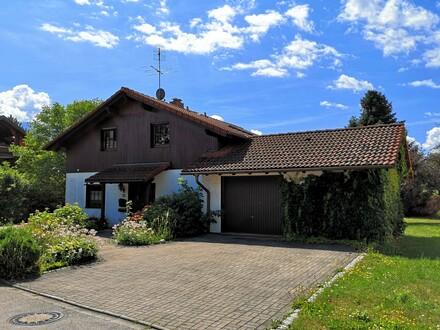 Schönes geräumiges Haus mit großem Garten und Bergblick