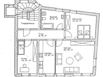 Geräumige 3-Raumwohnung mit zwei Stellplätzen