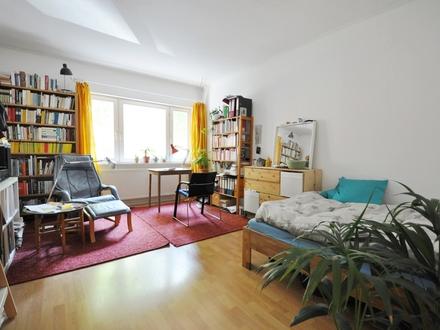 Derzeit gut vermietete 3,5-Zimmerwohnung mit Einzelgarage in Schloßlage
