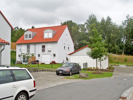 DHH mit Terrasse und Garten