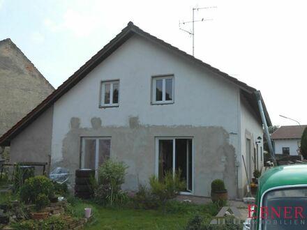 Großes, renovierungsbedürftiges Einfamilienhaus Nähe Stephansposching