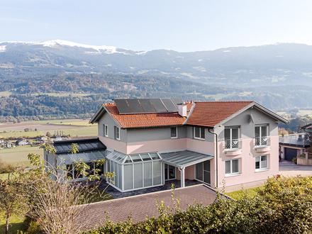 Großes Wohnhaus mit Büro/Praxismöglichkeit