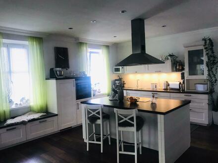 Helle 5 Zimmerwohnung mit großer Wohnküche