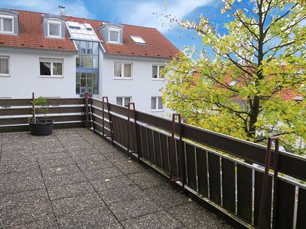 3 Zi. Wohnung mit ca. 83 m² Wfl, Terrasse und Stellplatz