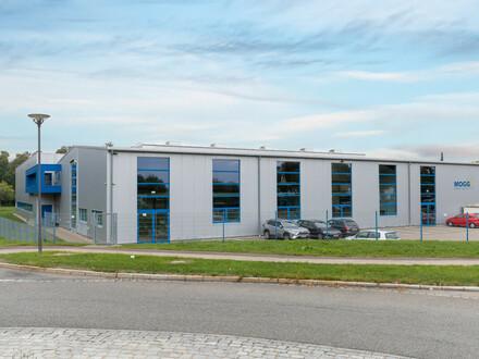 Große Produktions-/ und Verwaltungsfläche in Stetten a. k. Markt