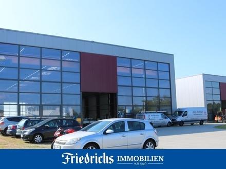 Neuwertige Industrie-/ Produktionshalle, auf Wunsch mit Verwaltungstrakt, in Uplengen-Remels