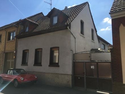 Jung & Kern Immobilien - Haus mit Hof und Scheune im Ortskern von Mainz-Hechtsheim