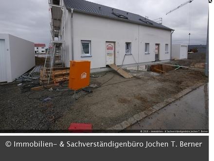 Neue Doppelhaushälfte mit EBK in Uttenhofen