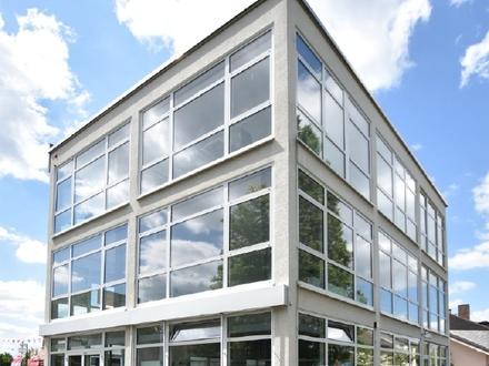 Gepflegte Büroflächen in verkehrsgünstiger Lage