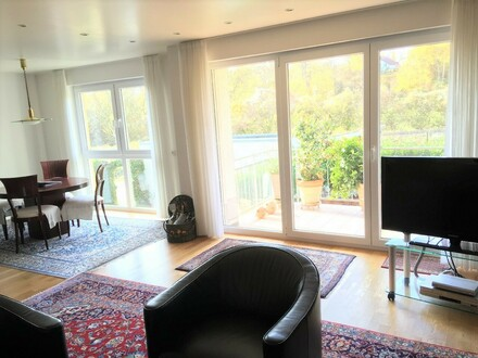 Top gepflegte helle 3-Zimmer Wohnung mit Einbauküche und Westbalkon