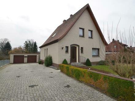 Gepflegtes Einfamilienhaus in gewachsener Siedlung von Harpstedt mit Doppelgarage, Wintergarten und Vollkeller