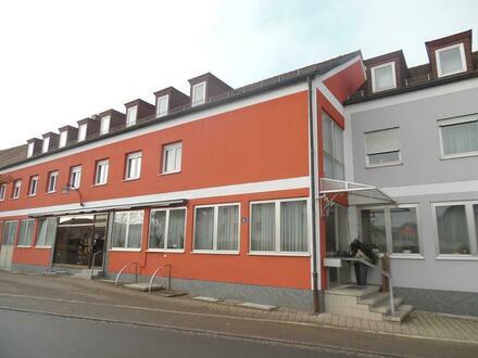 Wohn- und Geschäftshaus in Pirk