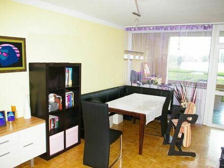 3 Zimmer plus sämtlicher Nebenräume, ja auch Loggia und Aussicht