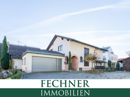 Geräumiges Einfamilienhaus - frisch renoviert, inklusive Einbauküche und sehr großer Garage!