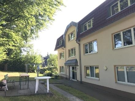 Lichtdurchflutete 2 Zimmerwohnung mit Garten und Garage ++ Wittgensdorf