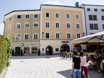 Bayrhamerplatz 3 Detailansicht Fassade